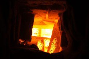 Wypał w piecu hoffmana cegieł i kształtek pełnych licowych ręcznie formowanych
