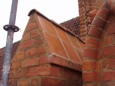 Gdańsk Kościół daszki ceglane ręcznie formowane W cegielni Trojanowscy na zamówienie