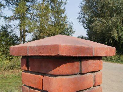 Daszek ceramiczny licowy elewacyjny ręcznie formowany od producenta Cegielnia Trojanowscy