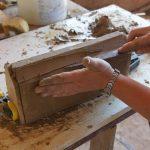 Ręcznie produkowanie kształtek ceramiczny na rekonstrukcje obiektów zabytkowych z Cegielni Trojanowscy