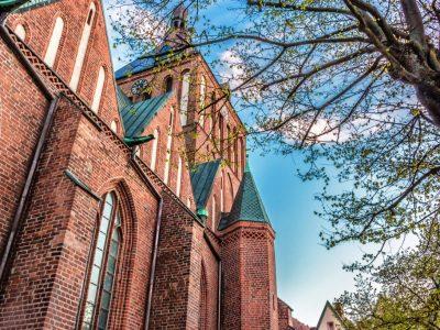 kathedrale erneuerung revitalisiert renoviert orange rot kirsch ziegel handgemacht handgefertigte produzent ziegelei trojanowski