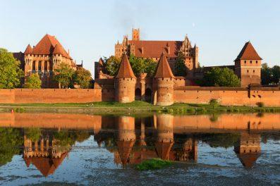 Zamek w Malborku Cegły Standardowe Gotyckie Niemki Duże Klasztorne Płytki