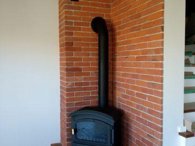 kominek ceglany cegła czerwona ręcznie robiona