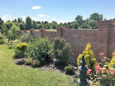 fence brick red workshop