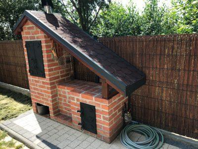 grill z cegły ręcznie formowanej