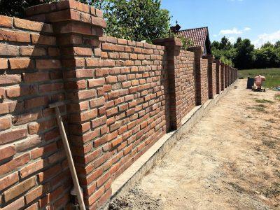 retro brick on the fence hand molding