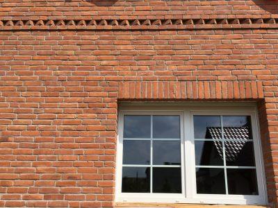Mauer Haus mit Ziegel Herstellung Ziegeln Trojanowscy