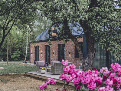 brick full modern barn