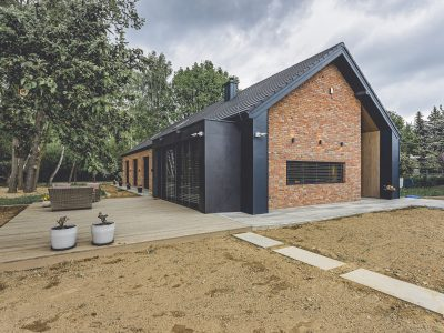 manufaktura brick modern barn